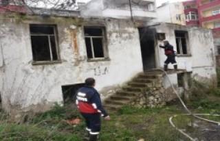 Sinop'ta metruk evde yangın