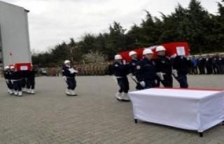 Polisler Törenle Memleketlerine Uğurlandı