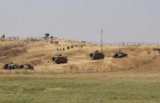 Türkiye- Suriye Sınırında Askeri Tatbikat