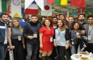 Yabancı Öğrencilerin Renkli Buluşması