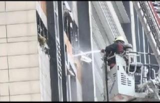 Yenibosna'da İş Merkezinde Yangın