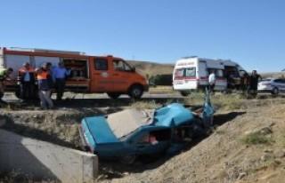 Yozgat'ta Otomobil Şarampole Devrildi: 5 Ölü
