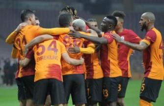 Galatasaray, Mohamed ile güldü