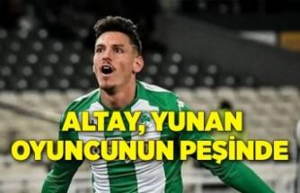 Altay, Yunan oyuncunun peşinde