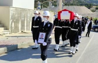 Kazada yaralanan polis, yaşam savaşını kaybetti