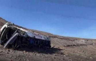 Peru'da otobüs uçuruma yuvarlandı!