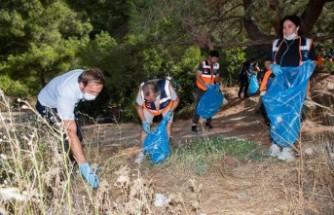 Belediye personeli ve gönüllüler el ele verdi