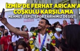 İzmir'de Ferhat Arıcan'a coşkulu karşılama