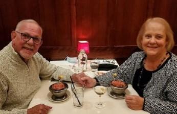 ABD'li liseli aşıklar 52 yıl sonra evlendi