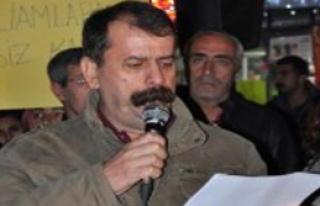 İzmir'de 'Hizmet İçi Eğitim' Mesajına Tepki