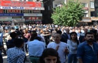 Diyarbakır'da Bombalı Saldırıya Protesto