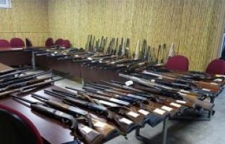 Kaçak Avcıların Tüfekleri İhaleyle Satıldı