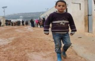 Suriyeliler Soğukla Mücadele Ediyor