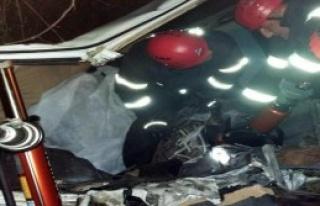 Otomobil Kanala Düştü: 1 Ölü, 1 Yaralı