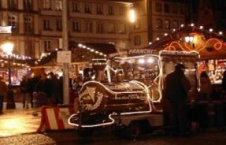 Paris'te Noel Pazarını İçişleri Bakanı Açacak