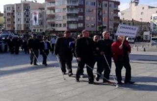 Teröre Karşı Beyaz Bastonla Yürüdüler
