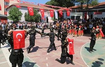 Bayındır'da 23 Nisan'a yakışır kutlama