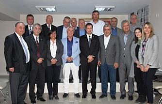 CHP İzmir'de 'eski başkanlar' zirvesi