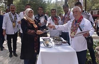 Kemalpaşa'da yemekler yarışıyor kültürler buluşuyor
